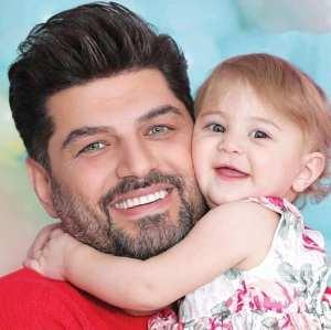 عکس دونفره سام درخشانی و دخترش