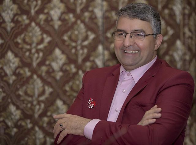 شوخی با احمدی نژاد کار دستم داد/ برای حاج صادق آهنگران با صدای خودش خواندم/ ضدانقلاب مرا تهدید به ترور کرد