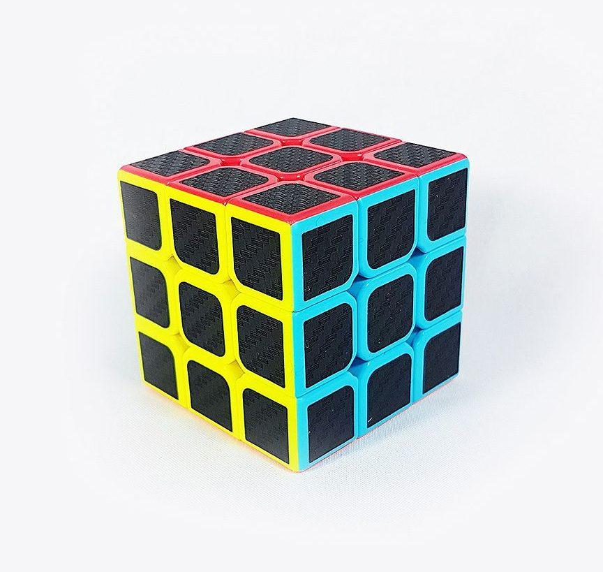 آموزش مکعب روبیک: ۵ گام آسان برای حل مکعب روبیک