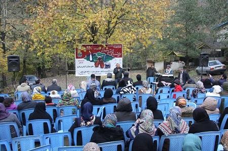 جشنواره فرآوری رب ازگیل در آستارا برگزار شد