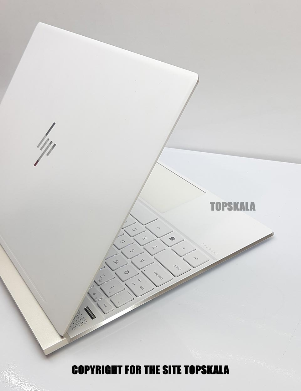لپ تاپ استوک اچ پی مدل HP Spectre 13 - AF009TU با مشخصات i5-8th-8GB-512GB-SSD-4GB-intel-UHD-620laptop-stock-hp-model-13-AF009TU-i5-8250U-8GB-512GB-SSD-4GB-intel-UHD-620