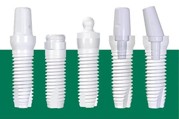 فواید و مزیتهای ایمپلنت دندان زیرکونیا