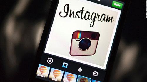 لوگو اینستاگرام در سال ۲۰۱۲