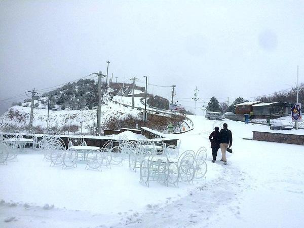 برف عینالی
