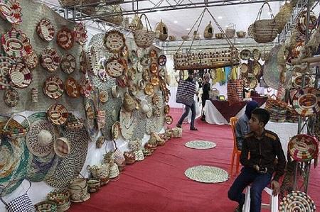 نمایشگاه صنایعدستی آستارا دایر شد