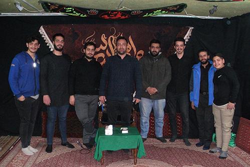 جمعی از جوانان هیئت زوارالحسین در حسینیه شهیددولت آبادی