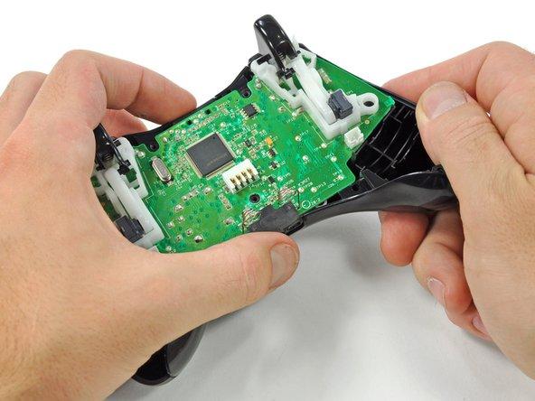 آموزش باز کردن و جداسازی XBOX 360 Controller 13