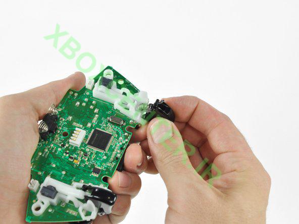 آموزش باز کردن و جداسازی XBOX 360 Controller 28