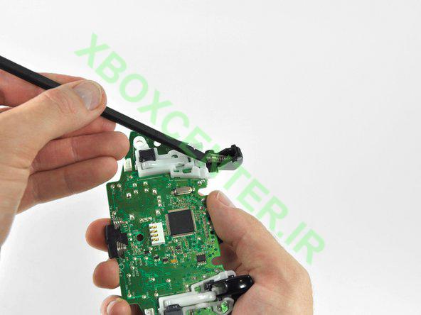 آموزش باز کردن و جداسازی XBOX 360 Controller 29