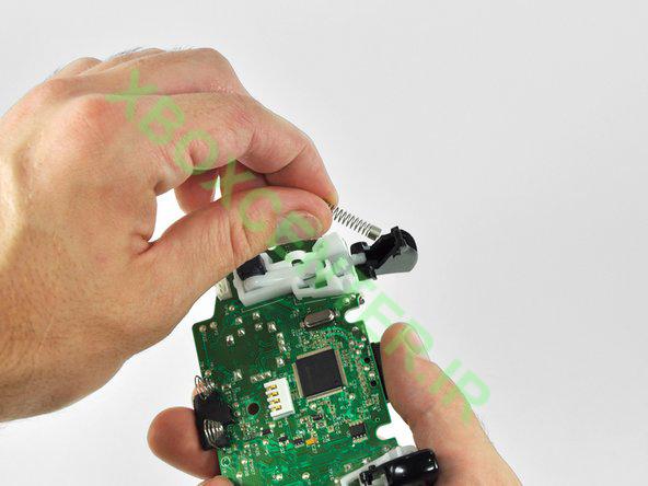 آموزش باز کردن و جداسازی XBOX 360 Controller 30