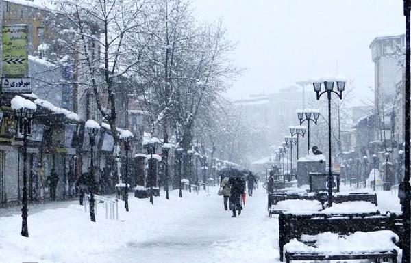 ۵۴دستگاه مرتبط با برف روبی در رشت آماده خدمات رسانی است