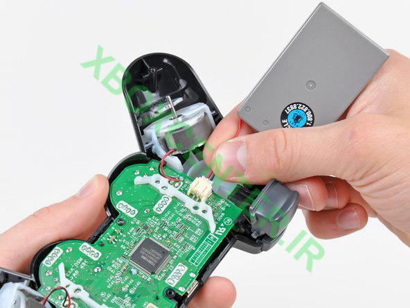 آموزش باز کردن PS3 DUALSHOCK3 Controller 9
